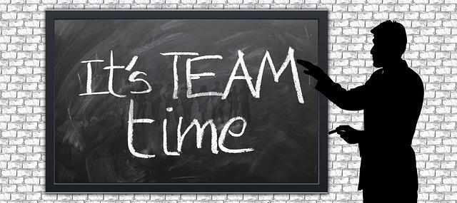 team-1523533_640
